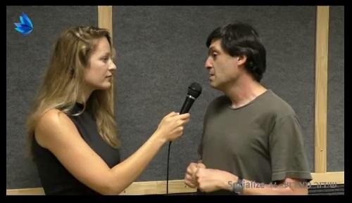 דן אריאלי מדבר בכנס של סושיאלייז Dan Ariely speaks at Socialize 2014